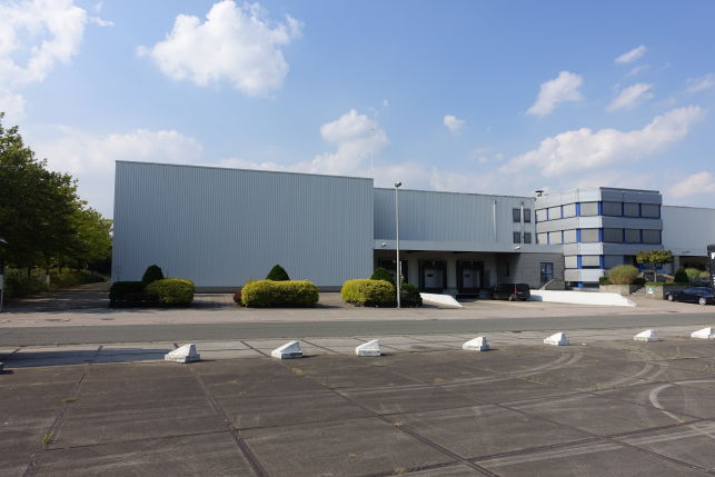 Deka Trading has rented a warehouse near St-Niklaas East-Flanders