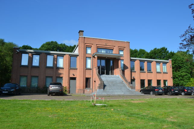 Hotel Hungaria rents 1500 m² offices in Herent near Leuven