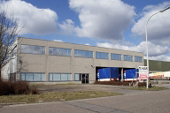 LACOM regroups its car body shop acitivities into a 2830 m² Haasrode industrial building