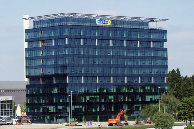 AG Insurances has rented new offices in the Blue Towers near the Ghelamco Arena in Ghent
