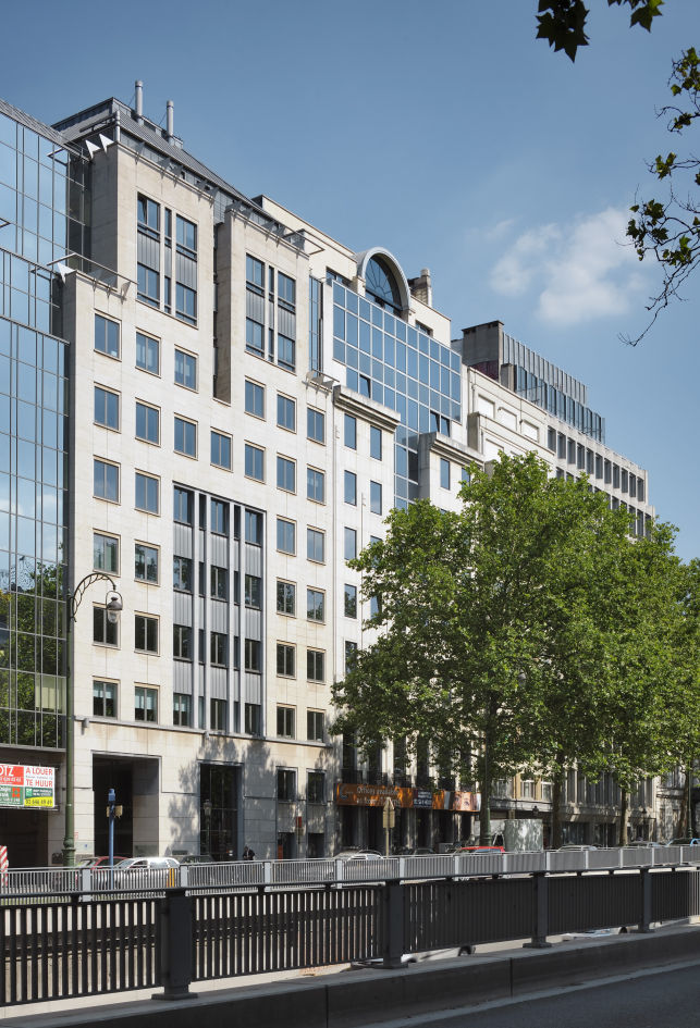 Renovated offices to let near Madou subway in Brussels