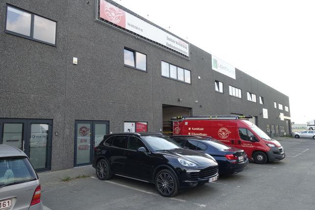 Bedrijfsgebouw te koop in de Haven van Gent