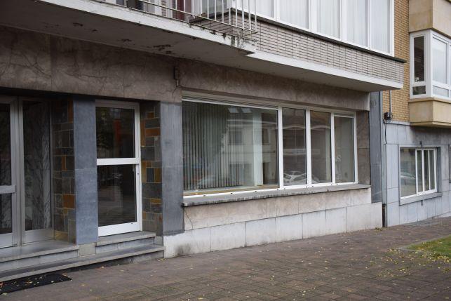 Commerciëel gelegen kantoor te huur in Genk