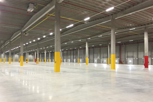 Warehouse in distribution center to let in Willebroek near Antwerp