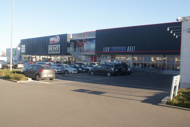 Retail to rent in Lochristi near Ghent