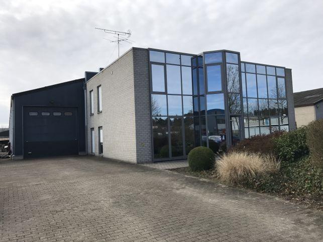 Bedrijfspand te koop in Grobbendonk bij Herentals