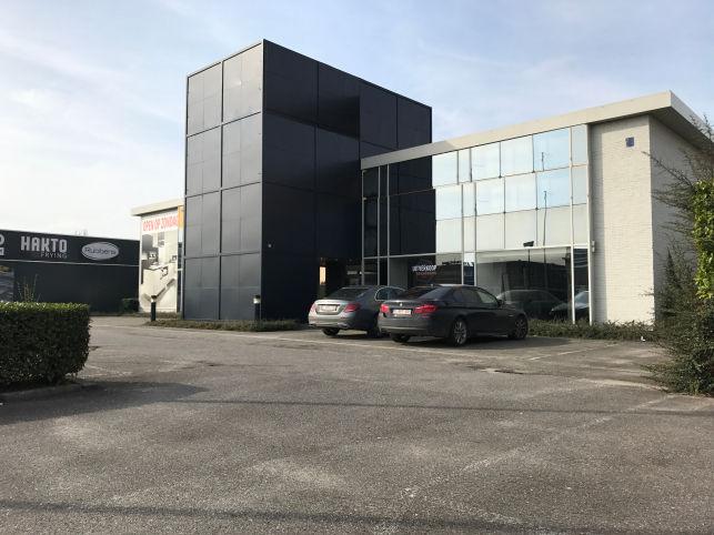 Magazijn & Showroom te huur in Aartselaar bij Antwerpen
