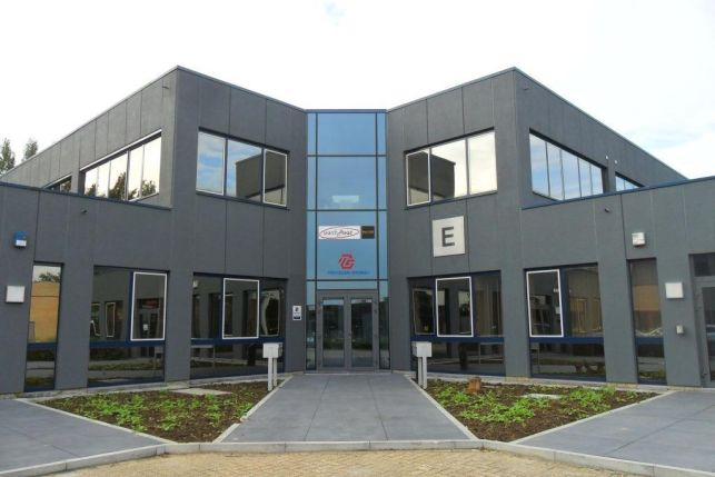 Zaventem office space with polyvalent storage to let