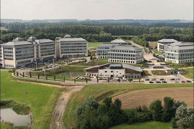 Kantoorgebouw te huur in Eigenbrakel bij Brussel