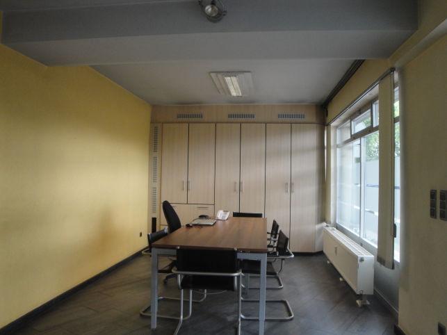Mechelen - kantoor van 140m² op gelijksvloer te huur