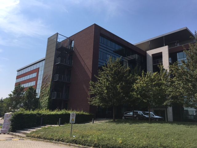 Kantoorgebouw te huur in Diegem