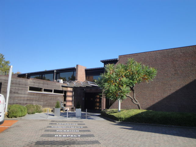 Kantoorgebouw met opslag te koop in Zaventem