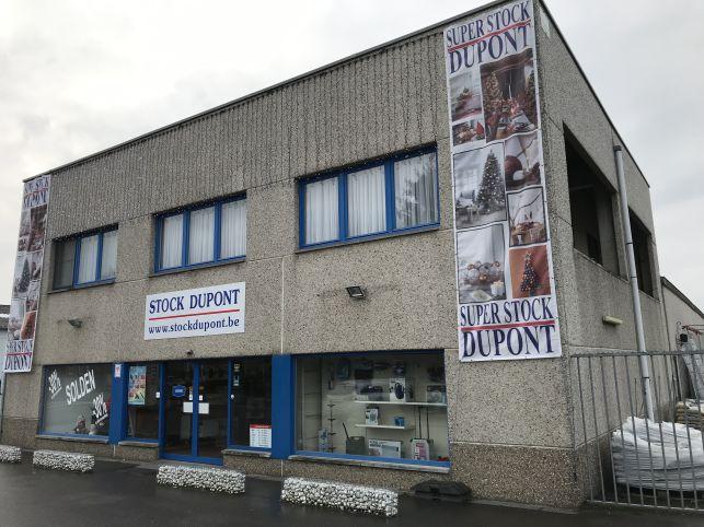 Bedrijfspand met showroom & opslag te huur in Rotselaar
