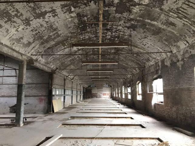 Bedrijfspand te koop & huur in Charleroi
