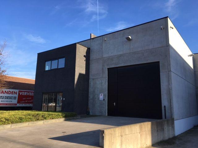 Magazijnruimte met kantoor te huur in Mechelen-Noord