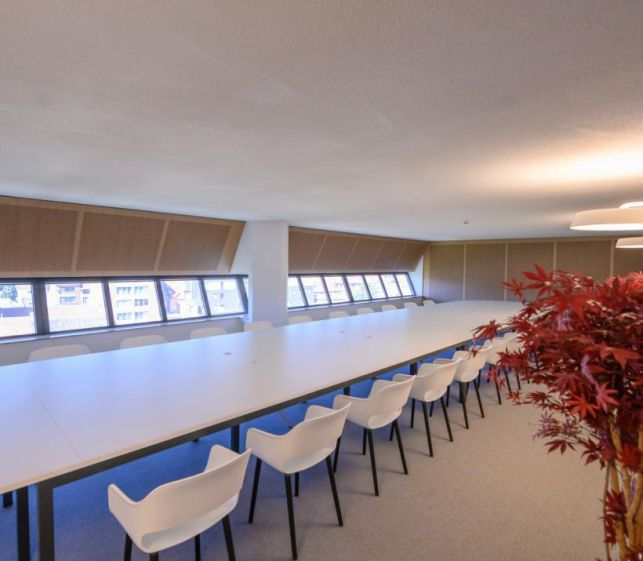 High-end office space for rent in front of Leuven train station