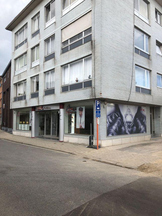Handelsruimte of kantoren met magazijn te huur in Tienen
