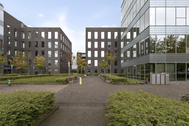 The Ultimate - Offices for rent - Berchem Stadion in Antwerp