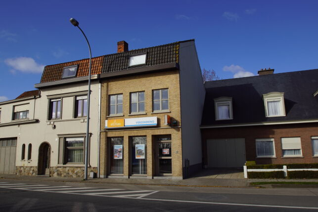 Offices with appartment for sale in Ieper