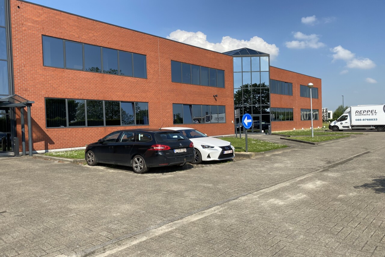 Offices & warehouse unit to let in Zaventem