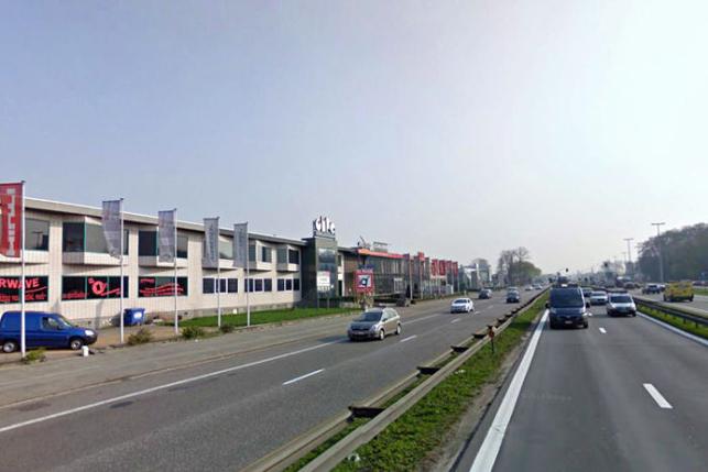 Winkel & toonzaal te huur langs A12 Boomsesteenweg Wilrijk