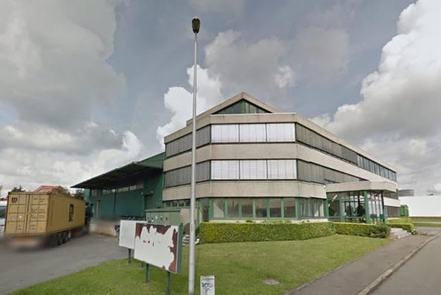 Kantoorgebouw met magazijn te koop in West-Brussel