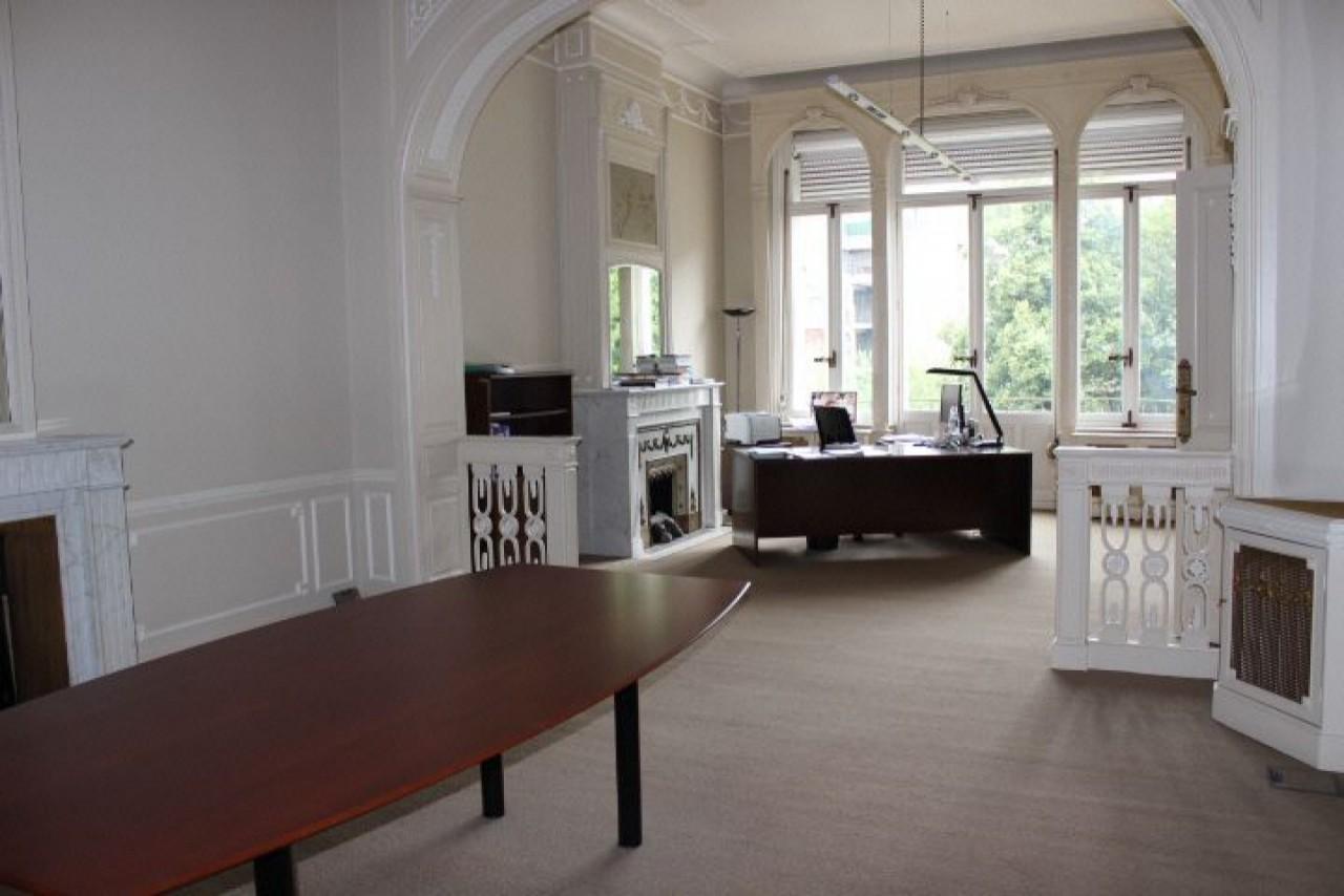 Kantoren te huur in herenhuis Leopoldswijk Brussel