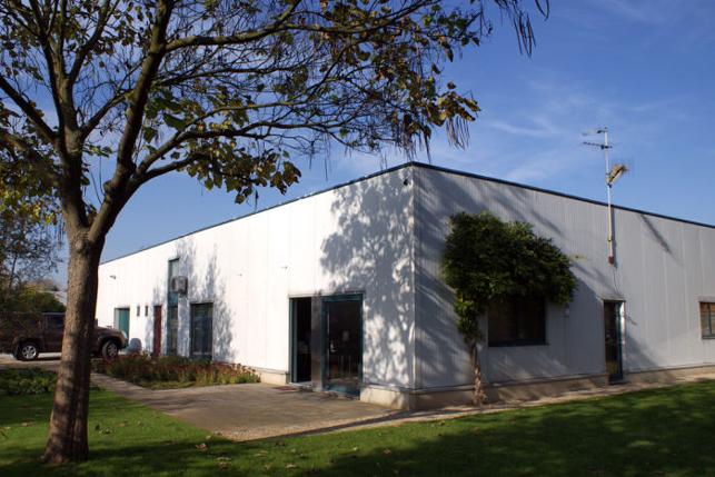 Magazijn met opslag & kantoor te huur in De Vunt Leuven