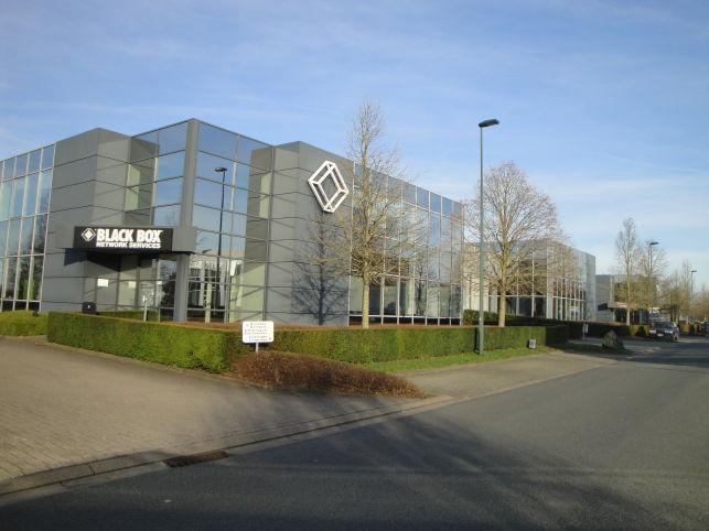 Bedrijfsruimte met magazijn & kantoor te huur in Zaventem