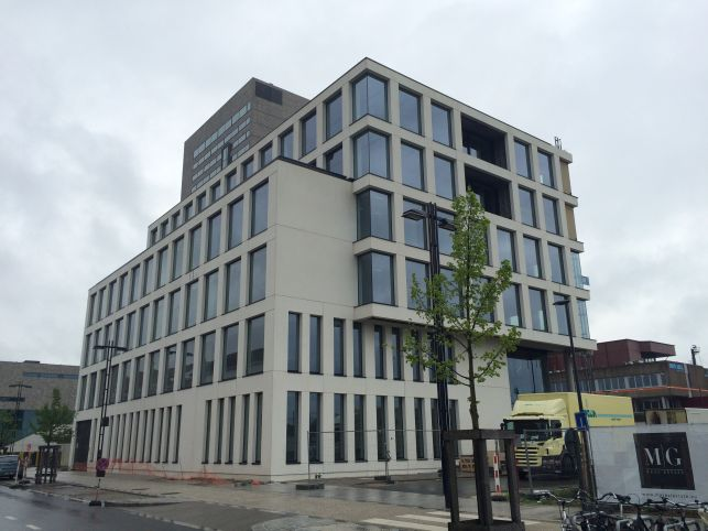 Ghent Saint-Peters railway station - Offices to lease