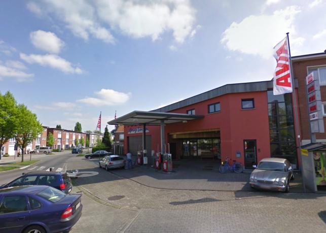 Bedrijfsgebouw met woning te koop in Kontich bij Antwerpen