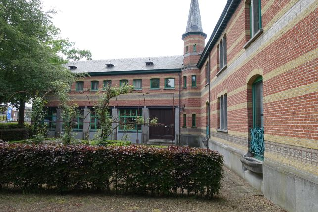 Kantoorgebouw te huur in Aartselaar bij Antwerpen