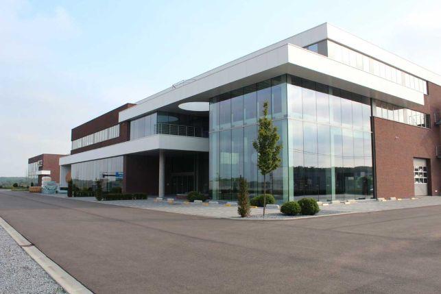 Kantoren & showroom te huur in Lummen nabij Hasselt