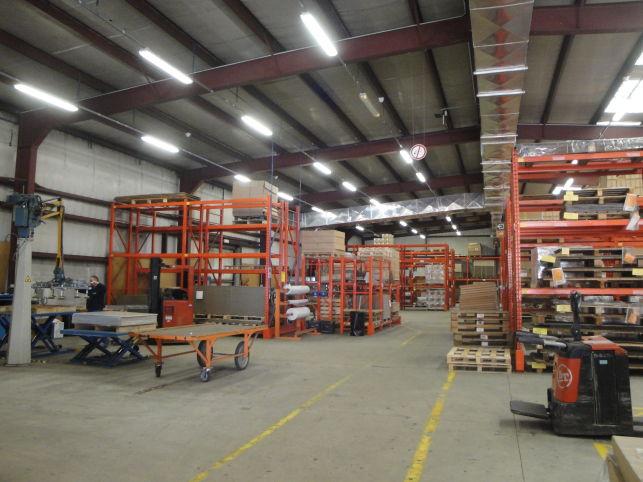 Loodsen, opslag & magazijnen te huur in Beersel bij Halle