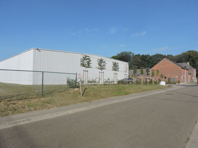 Warehouse with office & showroom to rent near Leuven