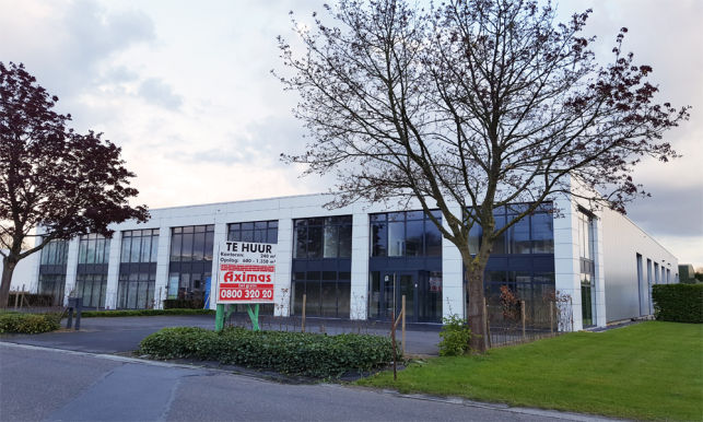 Warehouse with offices or showroom for rent in Leuven