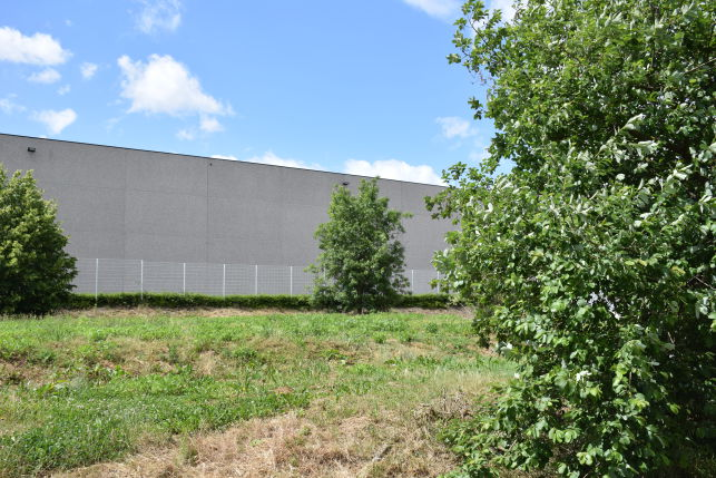 Warehouse for sale in Hauts-Sarts Herstal at crossing E42 and E25 motorways