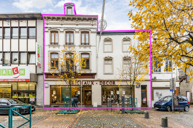 Retail outlet for sale in Châtelet near Brussel-south