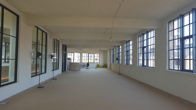 Polyvalent space for offices & showroom for rent in Leuven