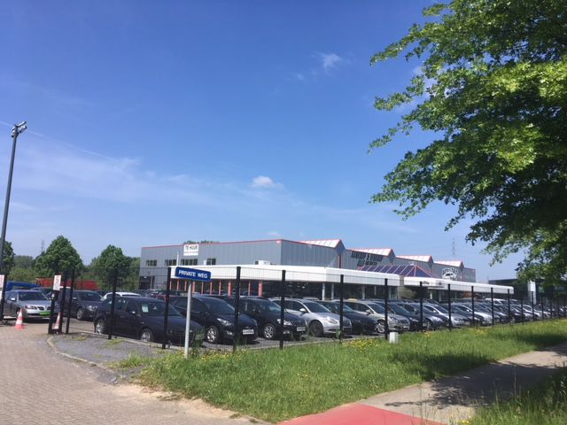 Industrial property & showroom for sale in Brussels periphery