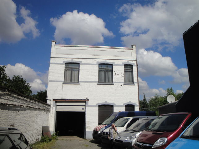 Land with existing building for sale in Brussels Haeren