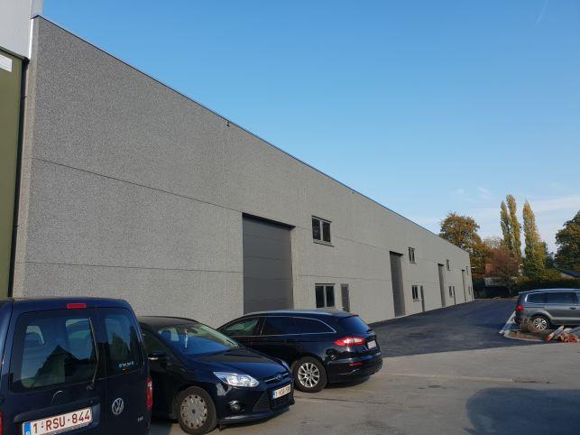 Bâtiment industriel avec entrepôts à louer à Gand