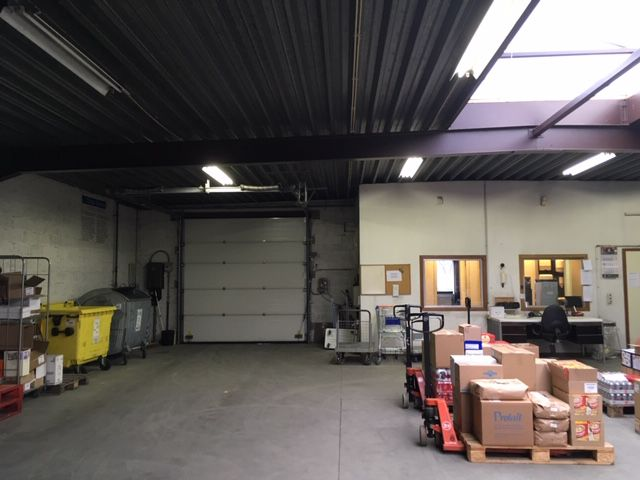 Warehouse with offices to let in Brussels Evere