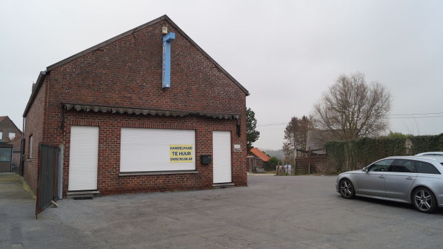 Shop, showroom & commercial office to let near Leuven