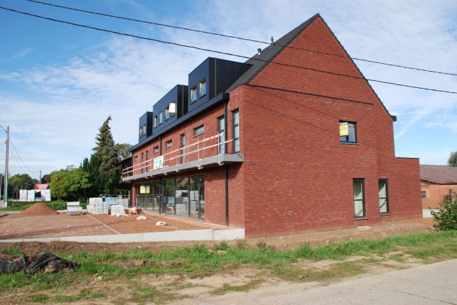 Commercial space for sale for retail & office near Leuven