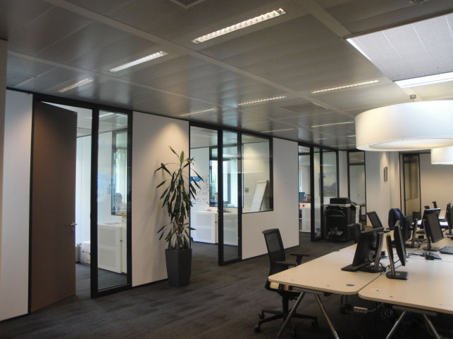 Offices with showroom to let near Brussels airport