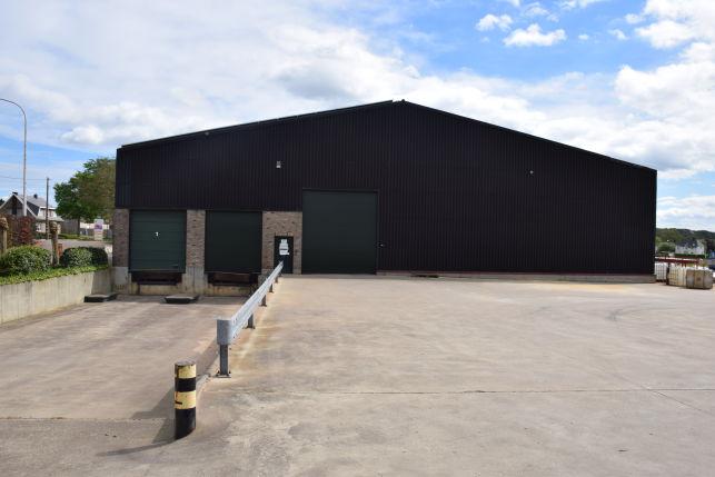 Bedrijfspand met magazijnruimte te huur in Leuven Lubbeek