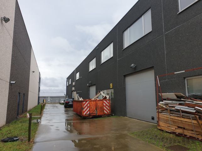 Recente KMO unit te koop in Wondelgem