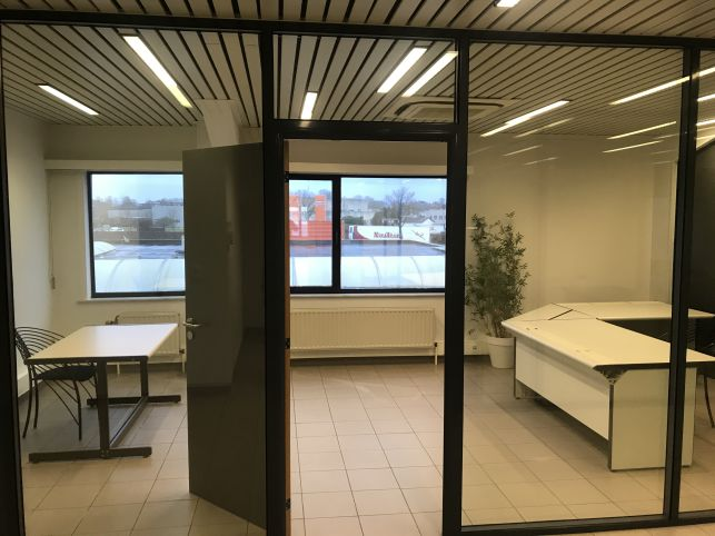 Warehouse & offices for rent in Leuven Haasrode