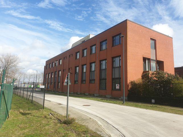 Kantoorgebouw in haven van Gent te koop